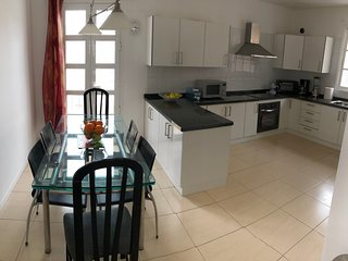 Spacious apartment in the center of Costa Adeje with Parking, Internet, Washing