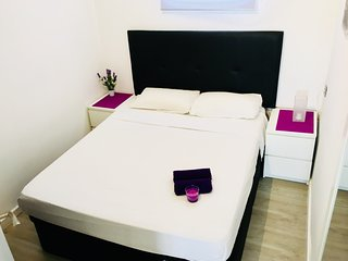 Spacious apartment in the center of Alicante with Parking, Internet, Washing mac