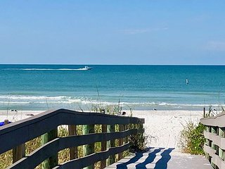 Newly Renovated as of Oct 2018 The Pelican of Indian Rocks Beach