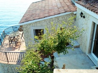 Cozy house in the center of Vrbnik with Internet, Air conditioning, Balcony, Ter