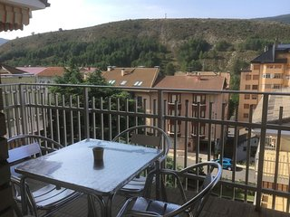 Spacious apartment in Sabinanigo with Lift, Parking, Washing machine, Terrace