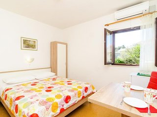 Cozy room in the center of Cavtat with Parking, Internet, Air conditioning