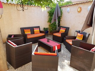 Cozy house close to the center of La Londe-les-Maures with Parking, Internet, Wa