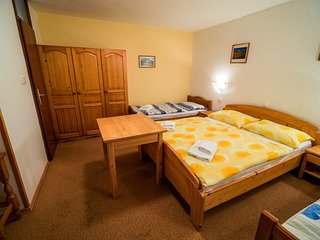 Cozy room in the center of Nemski Rovt with Parking, Internet