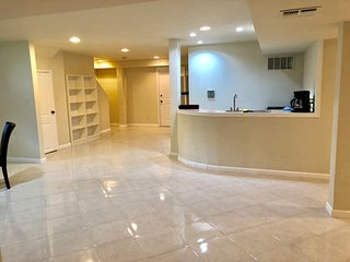 Spacious one bedroom basement apartment in fabulous home close to New York
