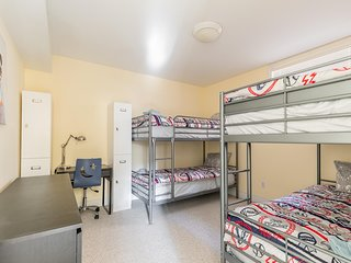 Bed in 4-beds Mixed Dormitory room
