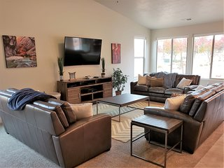 New 5 Bedroom one level near Zion and St. George, Utah