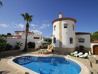 ANDY Villa piscina privada y Barbacoa