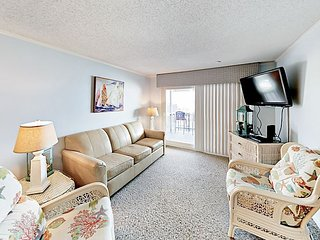 Oceanfront 2BR w/ Pool & Private 4th-Floor Balcony - Steps to Surf & Sand