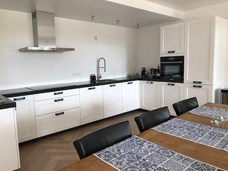 Luxe vakantiehuis voor 11 personen met 5 slaapkamers, 3 badkamers en grote sauna