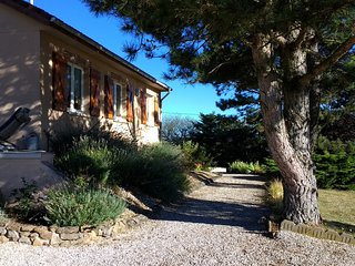 Villa in Couches with stunning views, sleeps 4. A haven for wine lovers.