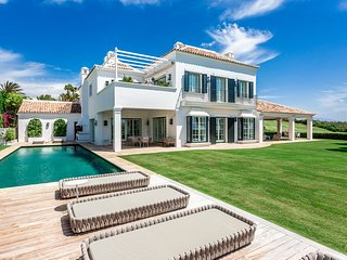 5 bedroom villa at Finca Cortesin Resort. Private pool, golf and sea views