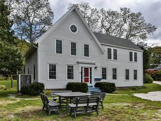 Wellfleet 5 Bedroom Captain's House Near Cahoon Hollow