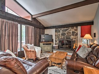 NEW! Stratton Mountain Family Chalet-Walk to Lifts