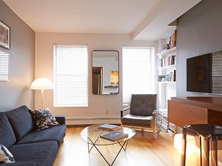 Stylish & Sleek Apartment Near SoHo!