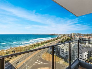 Beachfront Unit-Ocean Views-Pool-Sauna-Surf-Wifi!
