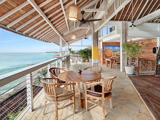 5BDR Amazing Beachfront Wooden Villa Pecatu