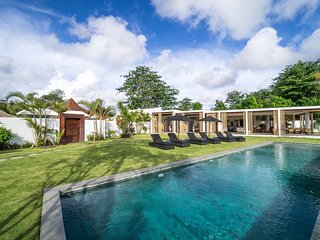 Samudra, Spacious 4 Bedroom Luxury Villa, Bingin Beach