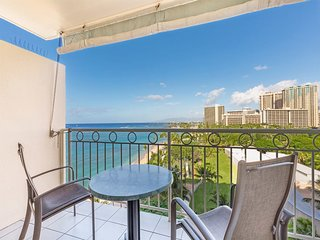 Bright Ocean View! A/C, Kitchenette, WiFi, Flat Screen+ More! Waikiki Shore