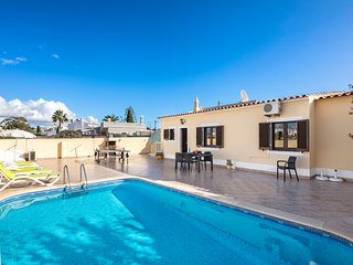 Casa Rosario - small villa, with private pool and walking distance to Carvoeiro