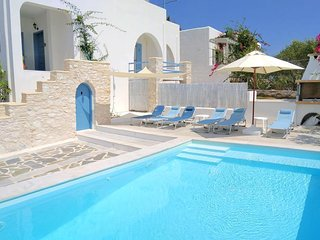 Villa Danae • Seaside 2-storey villa with pool, jacuzzi, bbq & terrace