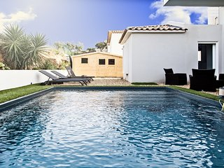 1338062 newly built villa for 6 people with heated pool 6x3, beach & center 3km