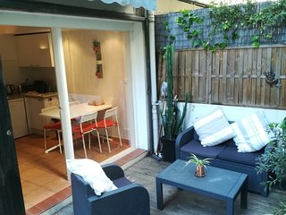 Superb 1 bedroom apartment with private terrace and parking