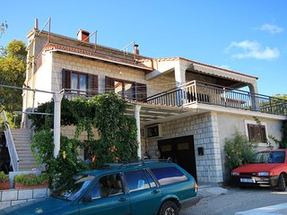 Four bedroom apartment Brna (Korcula) (A-9188-a)