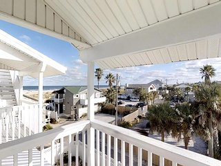Sea View: Large 6 Bedroom Ocean View Home just 50 feet to Beach - 360' views