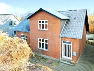 Cosy house near City,Beach and B&O company in Struer
