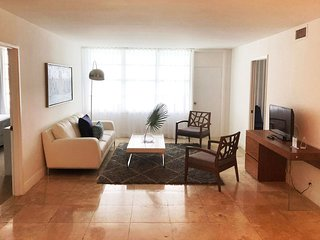 Affordable Oceanfront 2 BR suites Miami Beach LIC16J