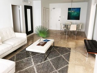Oceanfront 2BR Apartment in Miami Beach LIC14K