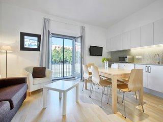Cool Apartment Girona - balcony overlooking the river - 1st floor - 2 bedrooms