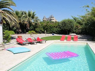 Villa Vue Du Chateau - Margon, French villa with private pool (sleeps 12)