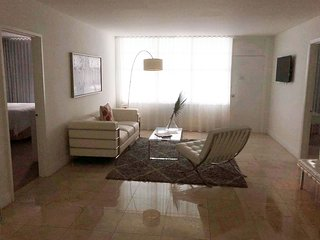 2 BR Oceanfront Apartment in Miami Beach LIC14J