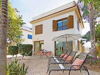 Cyprus Holiday Villa REVI Profile