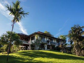 Casa Drake Lodge es ideal para el Sueno de todos los viajeros en tranquilidad...