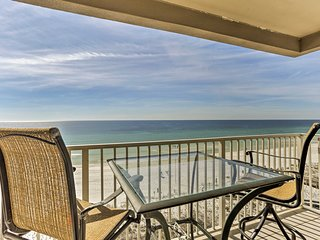 Oceanfront Ft Walton Beach Penthouse w/Pool+Patio!