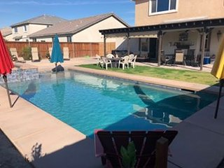 Beatifull home 3 miles from Coachella stagecoach.Please check season rates.