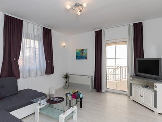 Apartments Villa Key - Two Bedroom Apartment with Terrace