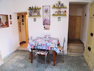 Airport Pisa Holiday Home Sleeps 5 with Air Con and WiFi - 5711421