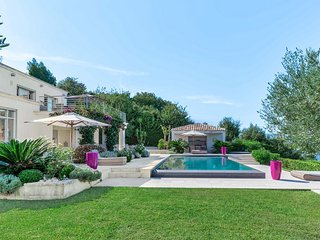 Gorgeous Villa, Mediteraneean Views, 10 Guests
