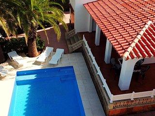 Villa Aure | Excelente Villa con piscina y aire acondicionado