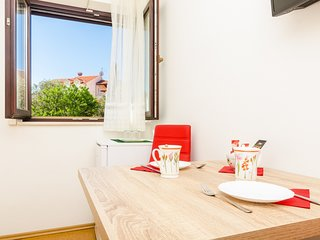 Apartments & Rooms Cina- Standard Double Room with Garden View (Room 4)
