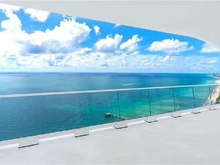 Gorgeous & Modern Oceanfront Condo in a Luxury Building With Stunning SE Views