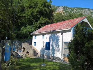 Holliday Home Bella. A delightful house on the Budva Riviera, with lovely garden