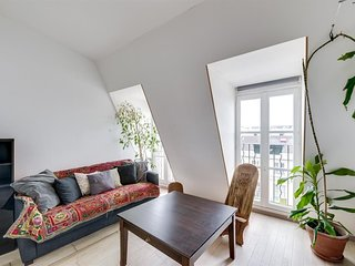 Cosy studio in the center of Paris with Lift, Internet, Washing machine