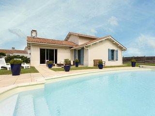 4 bedroom Villa in Saint-Reverend, Pays de la Loire, France - 5690582
