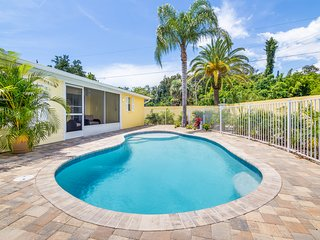 Casita Morning Star – 3BR/3BA Private Heated Pool, Screened Lanai, Walk to Beach