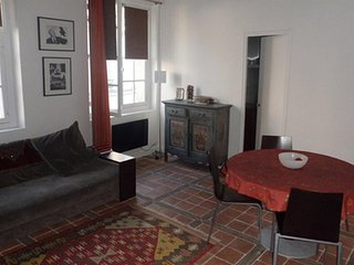 Spacious apartment in the center of Paris with Internet, Washing machine